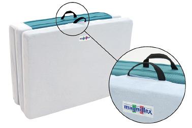 シーツ本体には開口部が設けてあるので、キャリーハンドルが取り出せます。シーツを装着したままでの持ち運びや収納が可能なので、とても便利です。